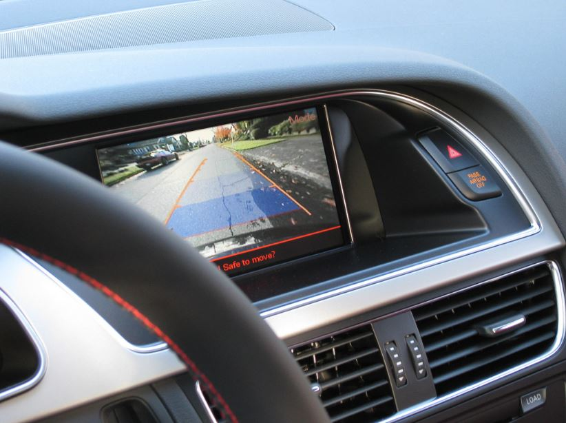 7 Safety Features You'll Want In Your Car